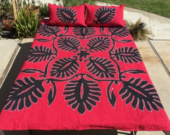 Hawaiian Quilt Monstera Black on Red King Size (104inX96in) Batik (Hand Dyed) with Shams Palama Style