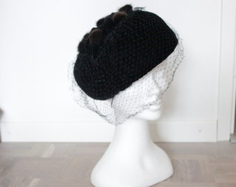 SALE! 1950's Velvet and Fur Church Hat - 50's Birdcage Veil Hat