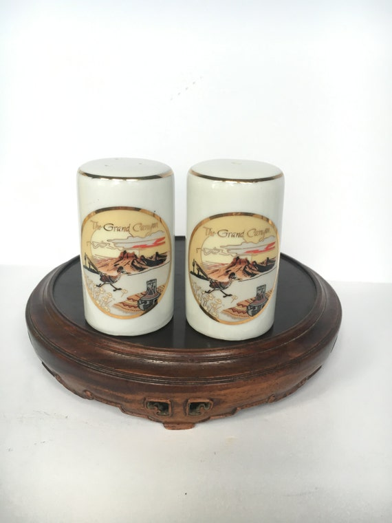 Beautiful Grand Canyon Souvenir Salt And Pepper Shakers Marked