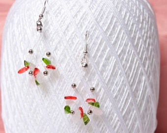 Earrings made of wire and gemstone jewelry in Italian colors