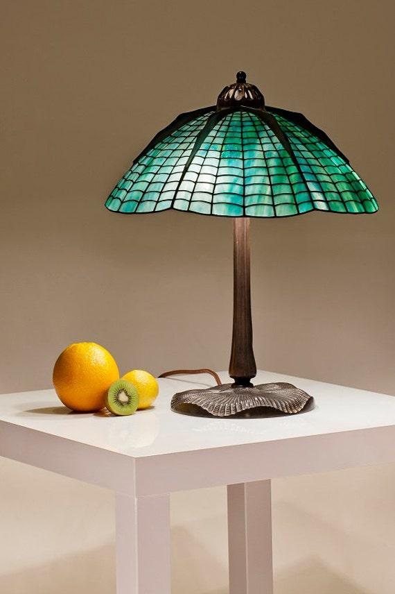 lampe de vitrail tiffany spider lampe tiffany de spider. Black Bedroom Furniture Sets. Home Design Ideas