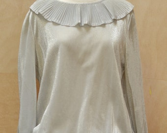 Vintage top from the 70's, silver lurex, pleated collar, smocks, sparkly