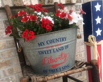 Mothers Day Gift, Mothers Day Flower Pot, Galvanized Tub, Garden Tub. Personalized Pot, Americana Flower Pot