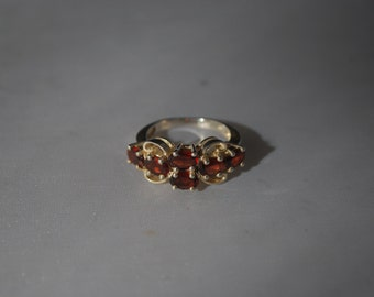Sterling silver ring size 7.25 with garnet cluster