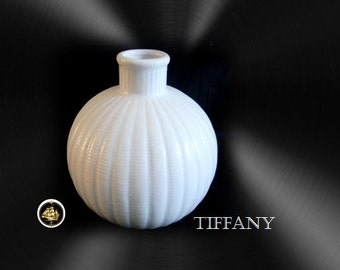 Tiffany white porcelain vase with ribbed design in pure white