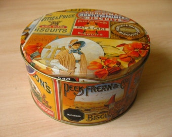 "Tin Cannister ""Bisquits""."