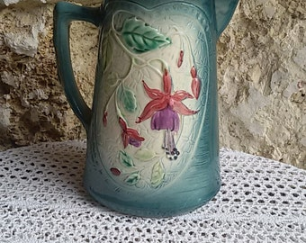 Pitcher slip decorated with fuchsia / French Antique