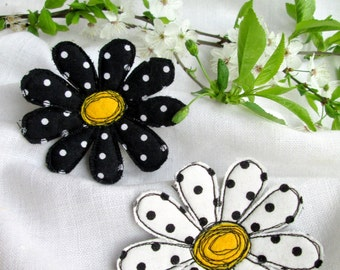 Сhamomile brooch Textile flowers brooch Daisy pin Fabric jewelry Summer flowers Camomile pin Textile art brooch Summer party outdoors gift