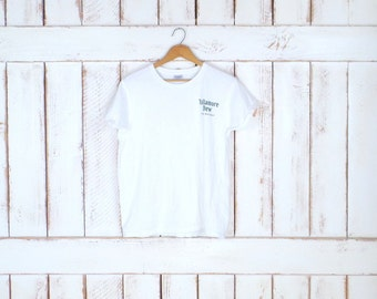 90s white/green Tullamore Dew Irish Whiskey tee/whiskey tshirt/drinking/bar/St Patricks Day/white graphic tee