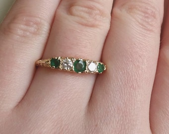 Vintage Diamond/Emerald Filigree Band Ring 14kt yellow gold