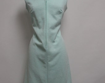 2448 - Vintage BLEEKER STREET Day Dress Size M Green Knee Length Sleeveless 1970s