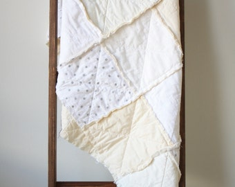 White crib quilt - Neutral baby quilt - White nursery bedding - Crib rag quilt - Baby rag quilt