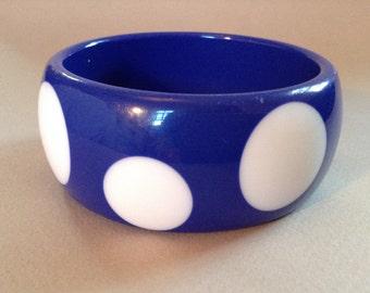 Chunky Navy Blue Lucite White Dot Bangle Bracelet