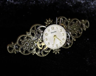 Steampunk style barrette hair clip with round clock face