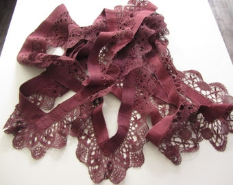 Lace bobbin entourage of cloth dyed old linen binds wine ref 11880