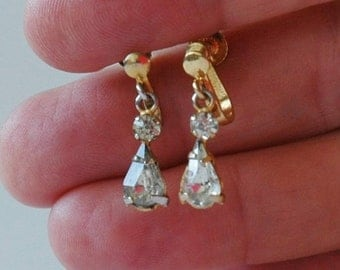 Vintage paste drop earrings in gold tone with screw back