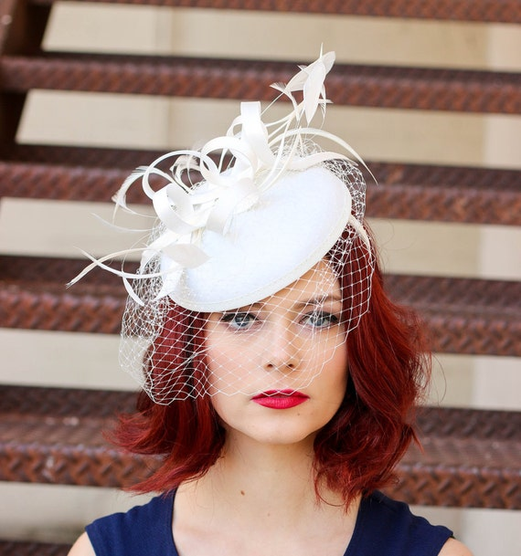 Fascinator, White Fascinator with Veil, Womens Tea Party Hat, Church Hat, Derby Hat, Fancy Hat, Ivory Hat, wedding hat, British Hat