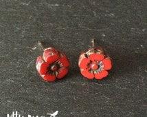 Czech glass pansy blossom flower bead stud earrings in opaque cherry red - flower earrings - bead earrings - glass studs - floral studs
