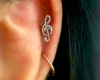 16g Treble Clef cartilage Earrings, music notes stud, silver helix earring,dainty cartilage stud,black cartilage earring,fun,unique earrings