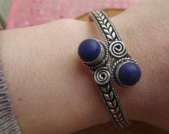 Silver bracelet with lapis lazuli stone, silver tribal bangle, boho bracelet, ethnic bangle, indian bracelet, lapis lazuli bracelet