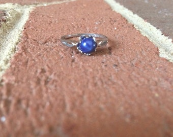 Circle Star Sapphire Shapped 10k Dason Ring