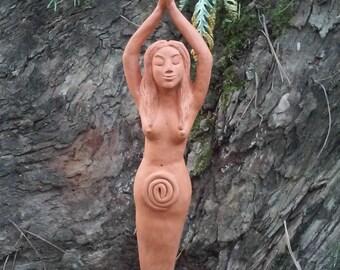 La Diosa Espiral. Escultura original de terracota.