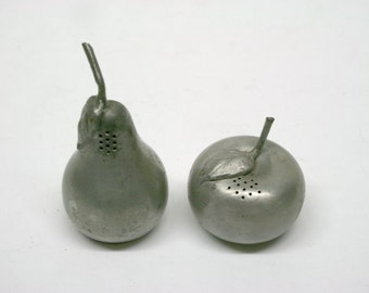 Kirk Pewter Pear and Apple Salt and Pepper Shakers//Vintage Salt and Pepper Shakers