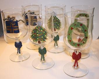 Holiday Wine Glasses. Set of 6