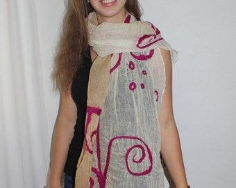 Pink linen scarf hand felted
