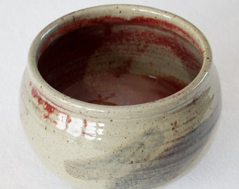 Bowl - Grey stoneware bowl with ruby red interior glaze