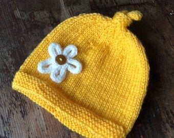 NEW BABY HAT, knit hat, yellow hat, knit baby hat, baby girl hat, newborn hat, hand knitted baby hat, flower, toque, baby beanie