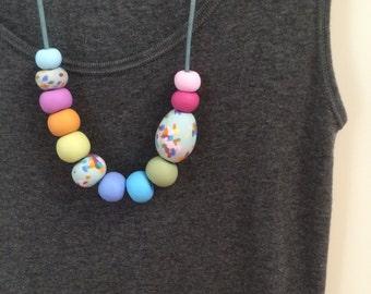 Speckle egg multi-coloured necklace