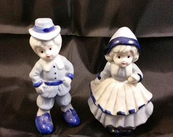 Vintage Blue And White Porcelain Boy And Girl Friends Collectibles