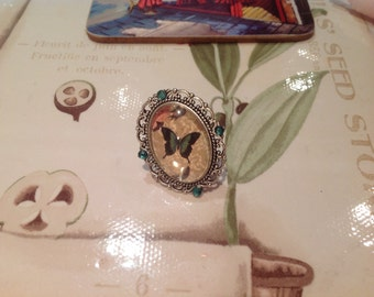 Green Butterfly Cameo Ring- Vintage, Retro