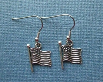 American Flag Earrings - Flag Earrings - USA Earrings - Dangle Earrings - Patriotic Earrings - Flag Jewelry -- E102