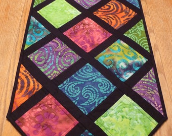Cathedral Window Quilted Table Runner