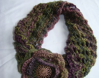 Crochet twisted cowl with flower