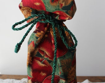 Fabric Wine Bag, Housewarming/Hostess Gift: Apples and Flowers