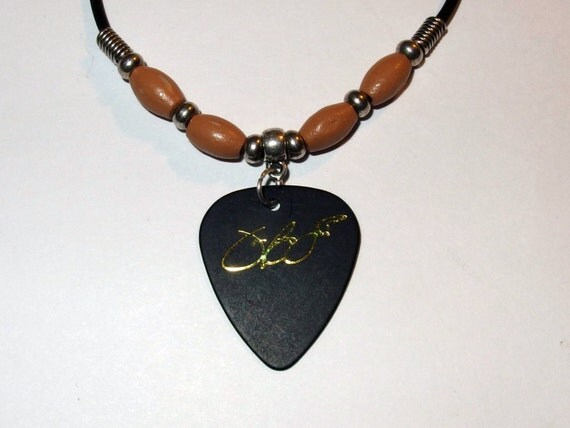 jon bon jovi signature guitar pick necklace