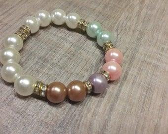 Very beautiful flower bracelet