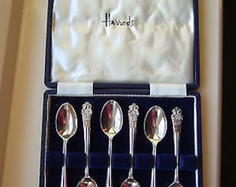 Vintage Silver Jubilee Spoons depicting the Queens Head - from Harrods - 1977