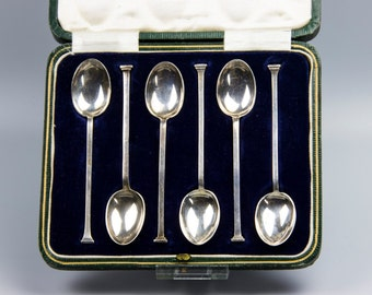 Antique Art Deco Cooper Brothers & Son Set of Six Solid Silver Spoons in a Presentation Case, c1920s