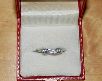 Knotted Wire Ring