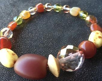 Vintage glass beaded bracelet, earth tone beads, vintage bracelet