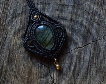 Macrame necklace with labradorite gem stone and brass beads