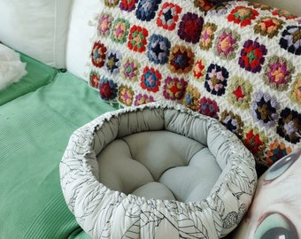 pumpkin bed (white and gray)