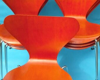 Arne Jacobsen for Fritz Hansen LOT of 14 Original Chairs