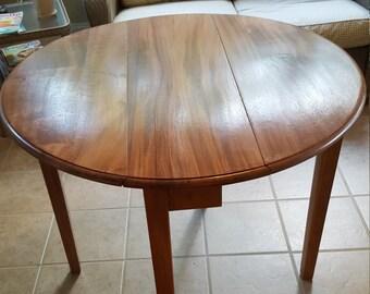 Swing Leg Mahagony Drop Leaf Table