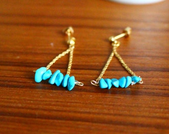 Turquoise triangle chain earrings ターコイズのトライアングルピアス