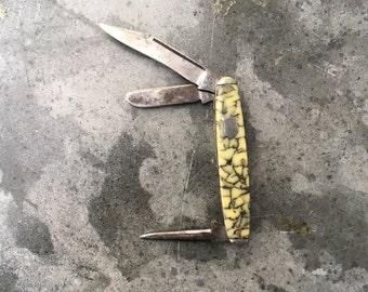 1920's Syracuse Light Olive Marble Pocket Knife